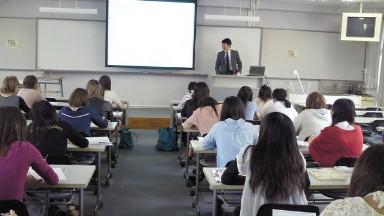 アルパーク金澤所長講義.jpg
