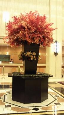 2012年9月のメトロポリタンホテルロビーの花.jpg