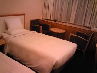 ホテルの小部屋.jpg