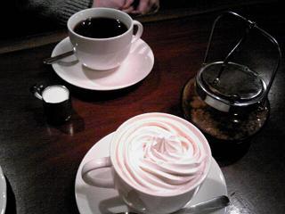 ラドリオでウインナーコーヒー.JPG