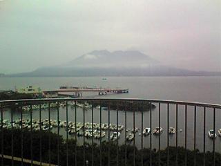 雨の桜島.JPG