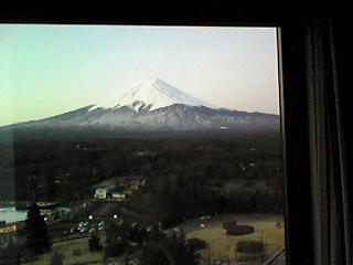 窓から富士山.JPG