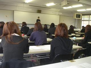 村山氏授業風景.JPG