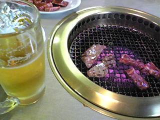 誕生日ディナーがフレンチではなく,いつもの焼肉でも幸せ.JPG