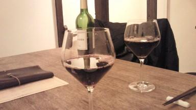 お疲れ様の赤ワイン.jpg