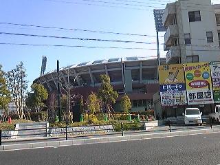 ひっそりとマツダスタジアム.jpg