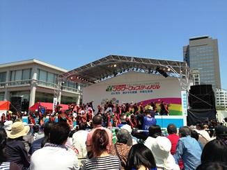 フラワーフェスティバルステージ.JPG