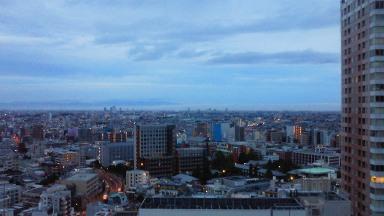 反対側の夜明け前.jpg