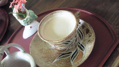 沖縄のかわいいおばあちゃんのお店でコーヒー.jpg
